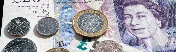 GBP: salarios más altos, tasa de desempleo más alta